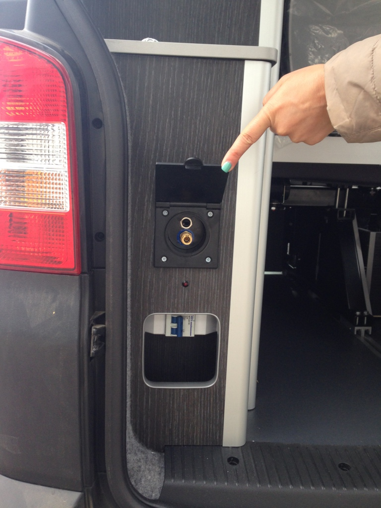 Volkswagen camperizada con bateria, inversor y deposito