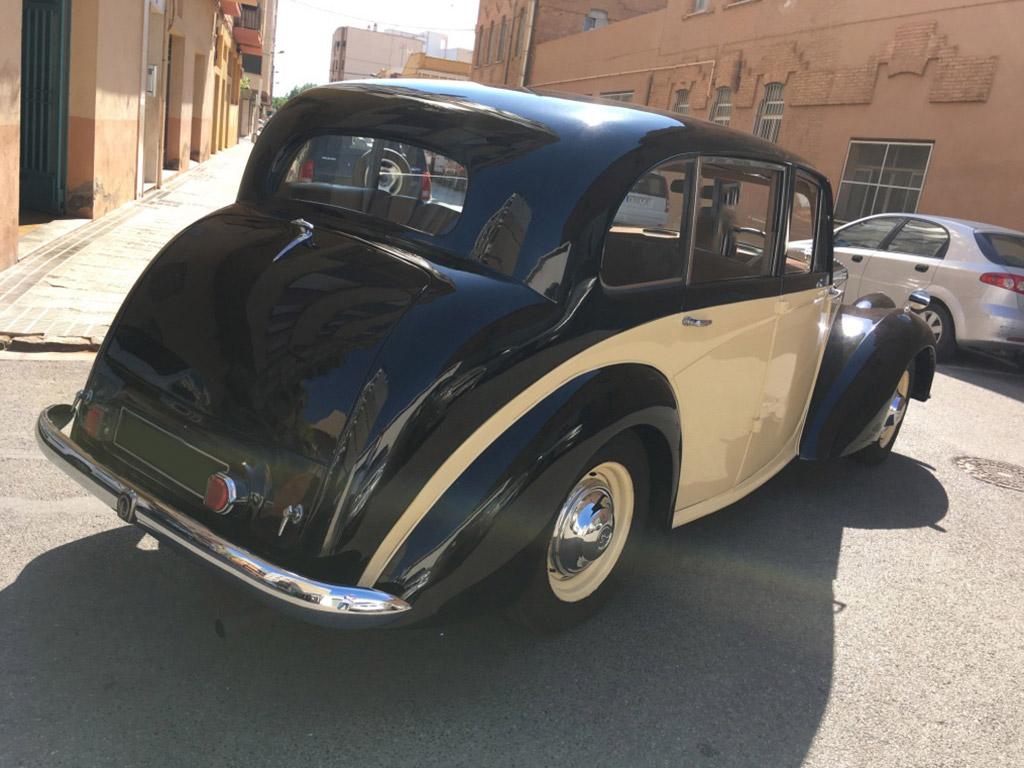 trasera vehiculo historico DaimlerConsort