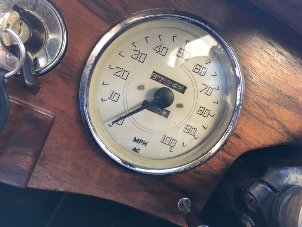 velocimetro vehiculo historico