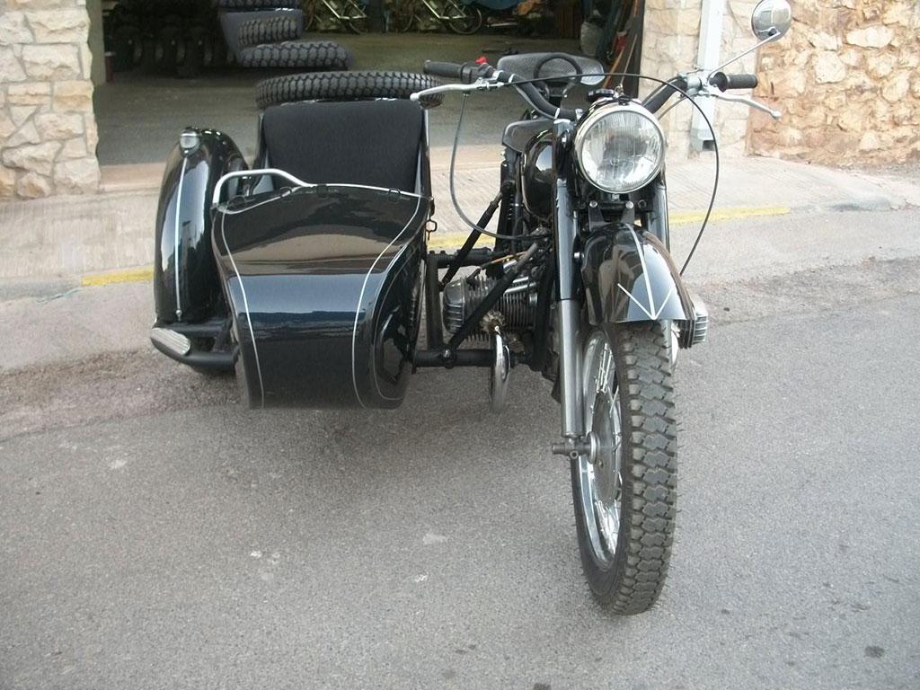 vehiculo historico Ural K750 Sidecar